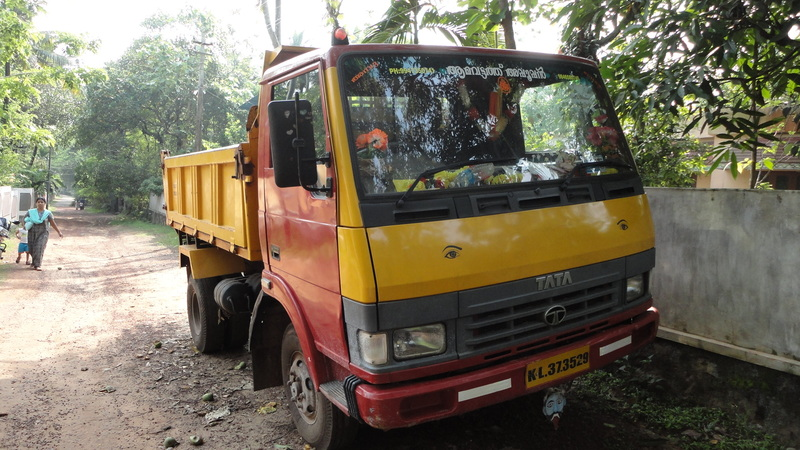 tipper trucks in india Tata tippers in semi & full forward category with the best-in-class aggregate set-up, power steering, better & more efficient braking system and fully built tipper body.