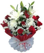 Send Valentine 2016 flowers to Cochin