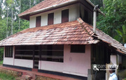2.90acre with double story house for sale in Nadavayal