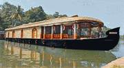 Best Kumarakom Houseboat Tour Packages